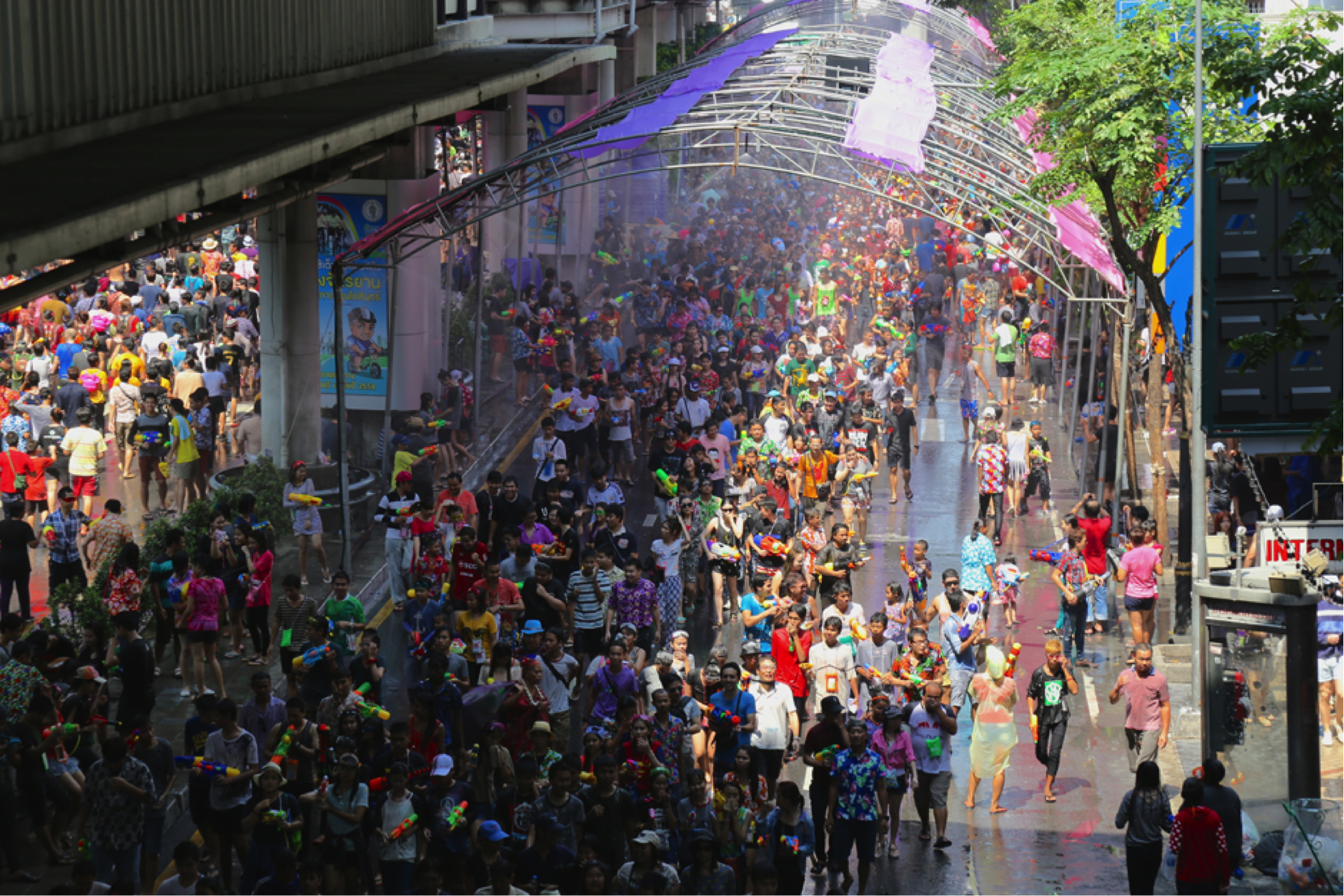 Songkran_Skywalk